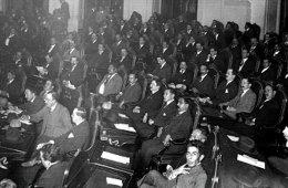 1 de abril de 1918: Inicia periodo extraordinario del Con...