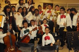 Lomas del Paraíso Community Symphony Orchestra and the C...