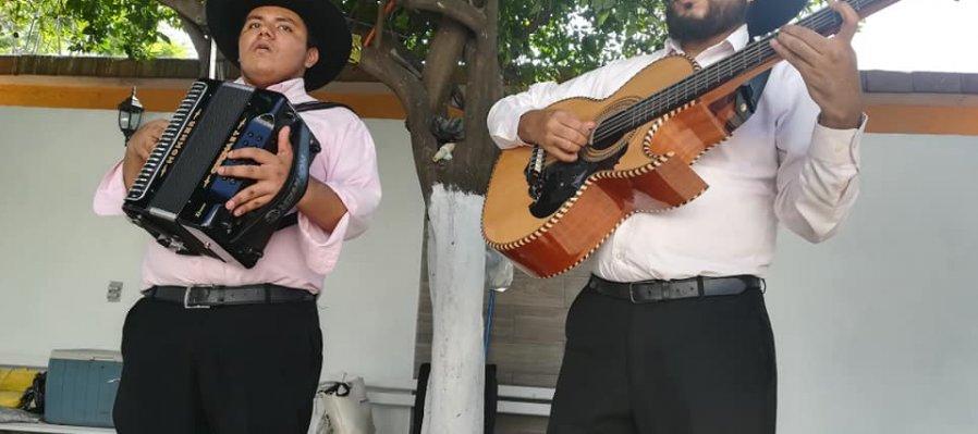 Los Hermanos Soria, Los Montañeses del Álamo y Los Buitres de la Narro