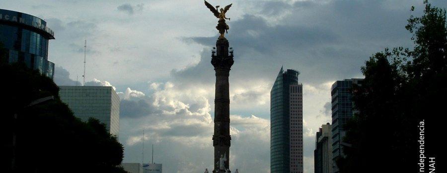 Paseo de la Reforma y Ángel de la Independencia. Ciudad de México