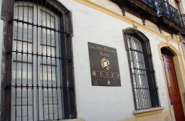 Visit the Museum of Popular Arts in Jalisco