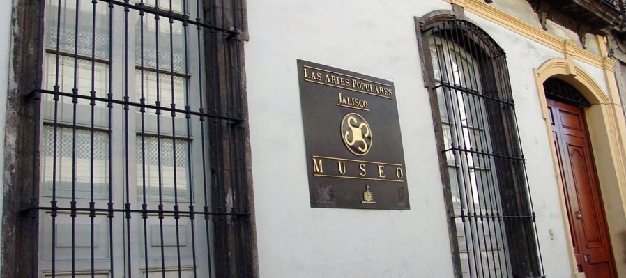 Visit the Museum of Popular Arts in Jalisco