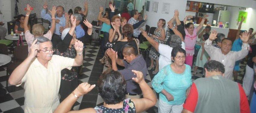 Baila con el grupo Guayacán