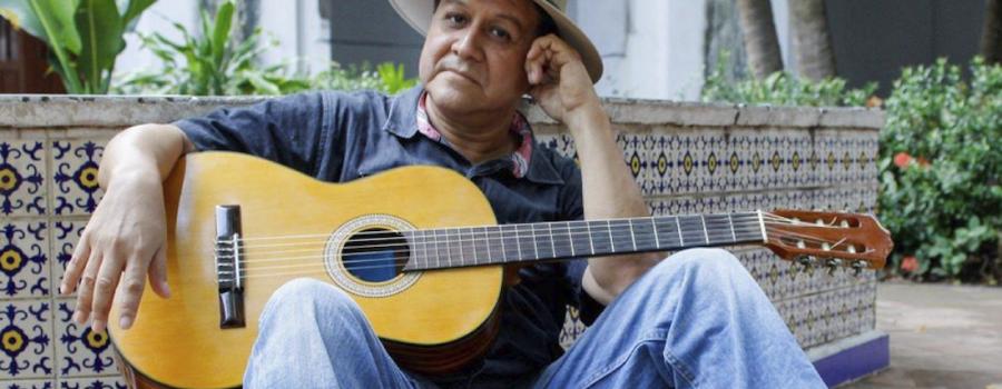 """Recital de guitarra y voz """"Intimando"""""""