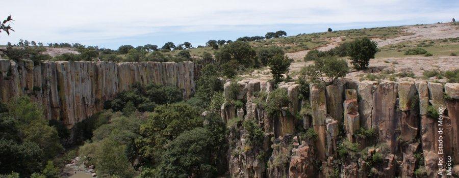 Cañón de Aculco, el lugar donde se tuerce al agua. Estado de México
