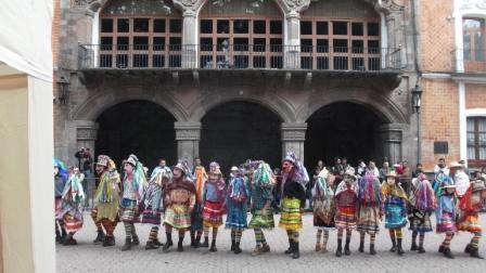 Imagen, historia y vestimenta del carnaval en Tlaxcala. E...