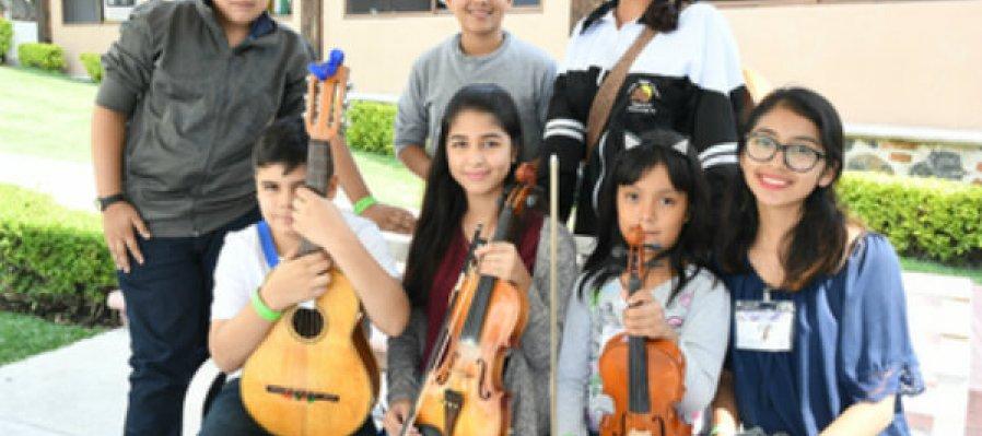 La Orquesta y Coro de Música Tradicional Mexicana