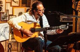 Fernando Delgadillo en concierto