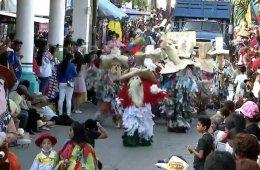 Tradicional concurso de disfraces de Putla Villa de Guerr...