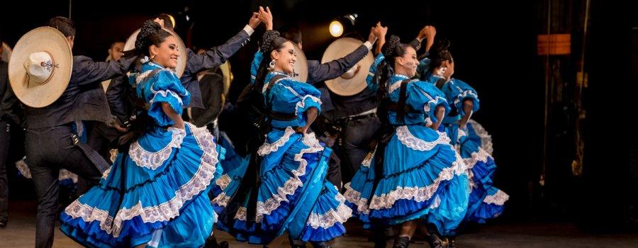 Ecos de la revolución y ¡Viva México! La historia y costumbres de nuestros pueblos