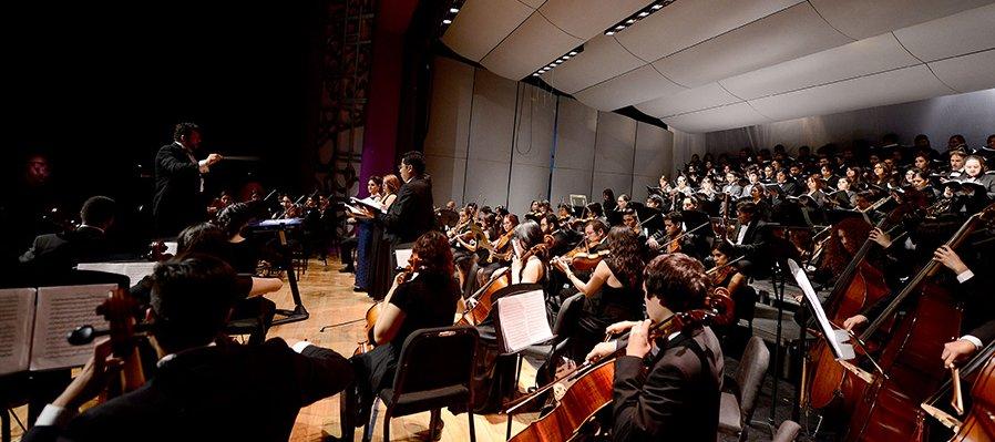 Orquesta Sinfónica Juvenil Silvestre Revueltas y el Coro Juvenil del Conservatorio de Celaya