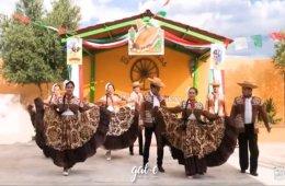 Danza folclórica: Ballet Folklórico Coahuitl, desde Mon...
