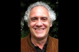 Entrevista al escritor y periodista mexicano. El Dr. Samu...