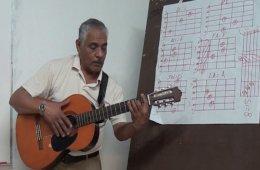 Clases de guitarra popular con José Roberto Gonzales Alv...
