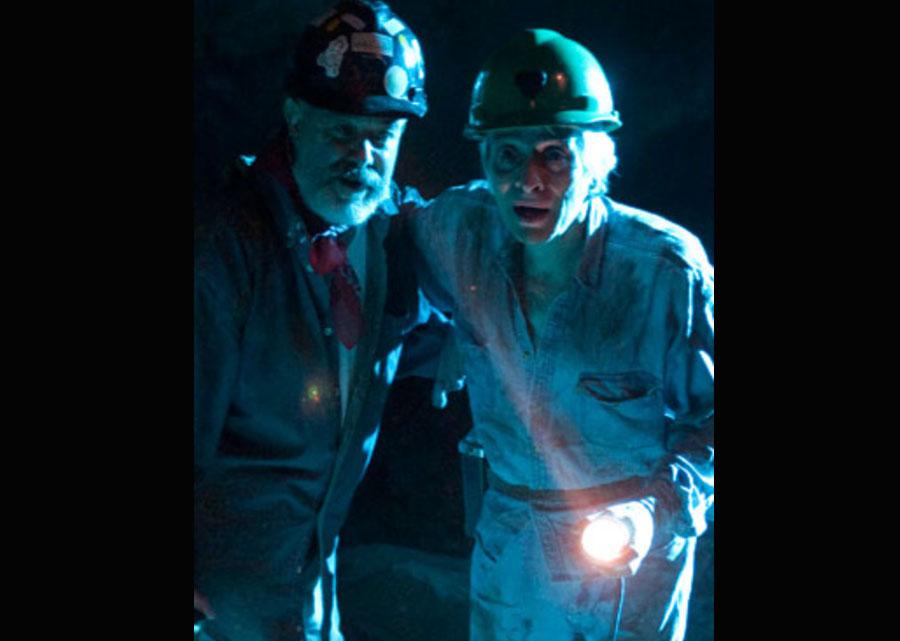 Dos hombres en la mina