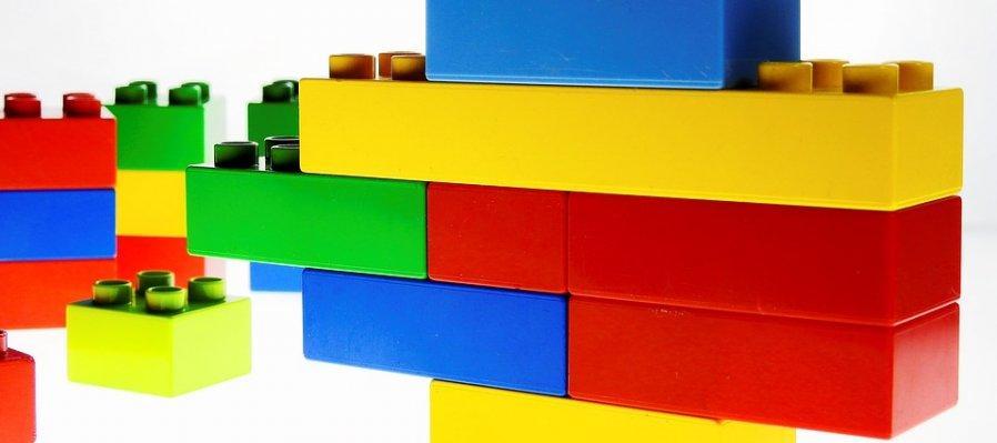 Diseño y construcción básica con LEGO