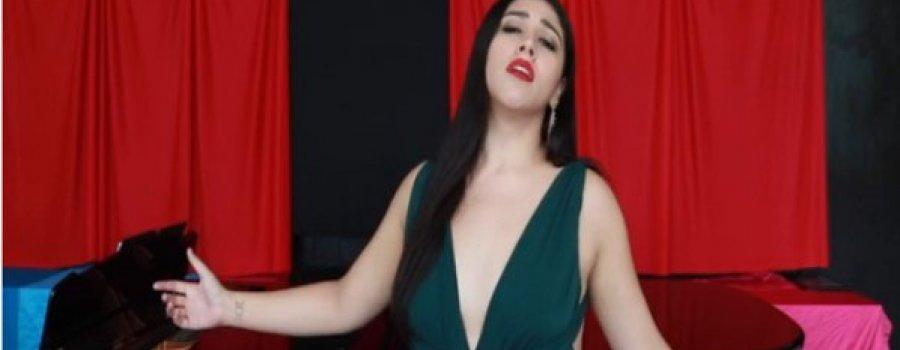 Solamente una vez de Agustín Lara, por la soprano Lucía Beyles