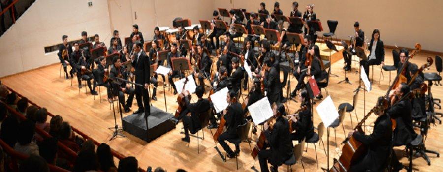 Eddie Mora dirigirá a la Orquesta Escuela Carlos Chávez