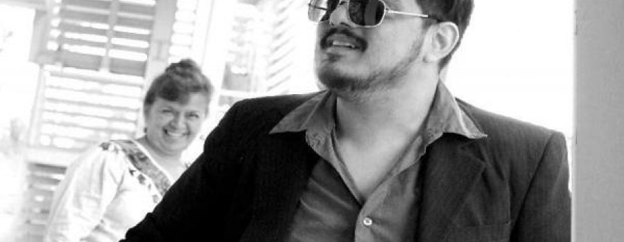 Lectura de Microcuentos con Alejandro González