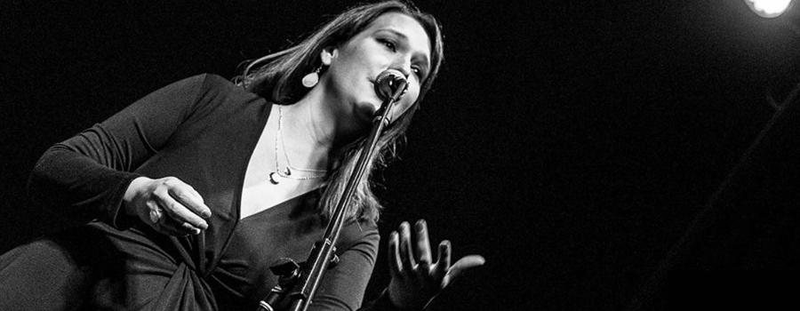 Mónica Zuloaga & KM Big Band