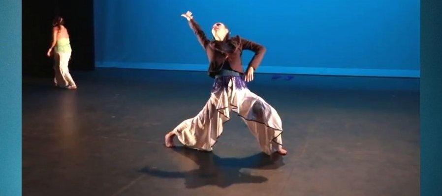Mujer de agua. Dos Raíces Danza Fusión