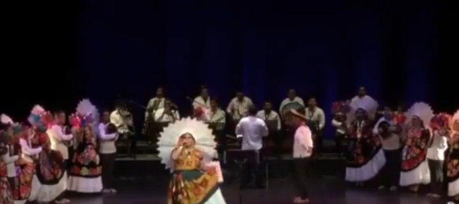 Natalia Cruz en concierto