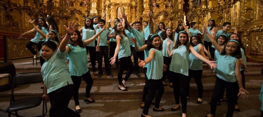 Singing Children of Tepotzotlán