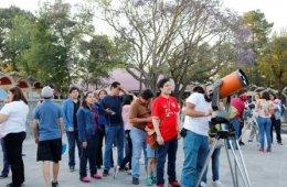Observación solar con telescopio