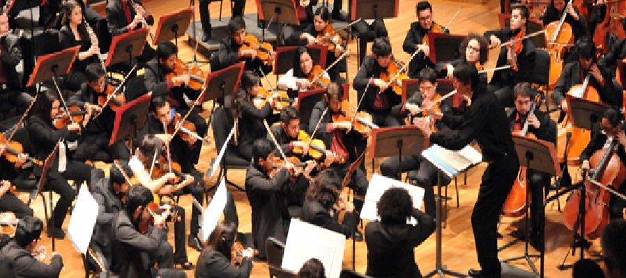9th Program. Carlos Chávez School Orchestra