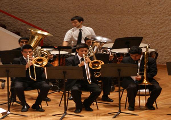 Ensambles de metales y percusiones de la Orquesta Escuela...