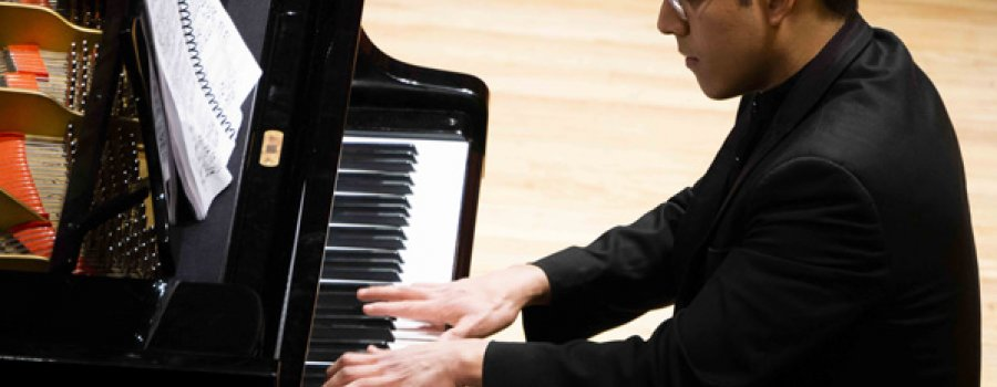 Final Exam of Carlos Chávez Orchestra School to Receive the Bachelor Degree in Piano