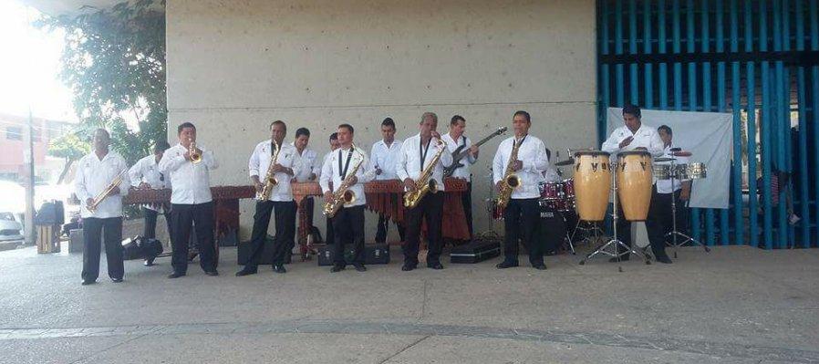 Marimba Orquesta Poli de Tuxtla