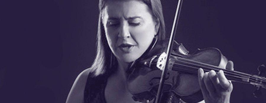 Nadja Salerno-Sonnemberg con la Orquesta Filarmónica de Boca del Río