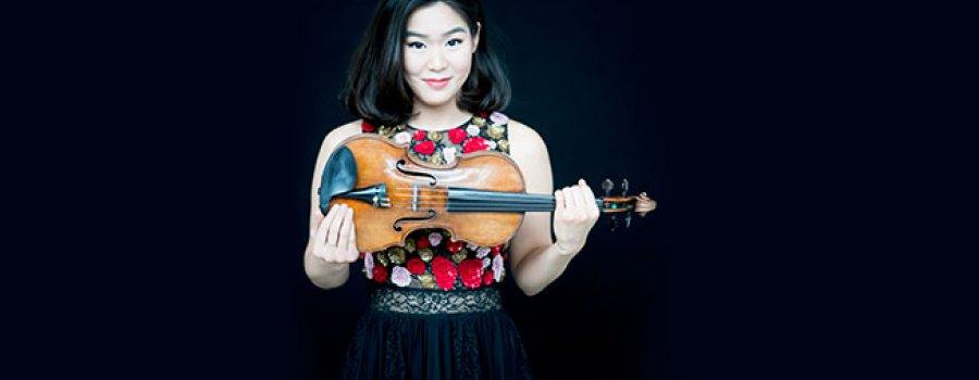 Virtuosismo Orquestal • Esther Yoo interpreta Brahms
