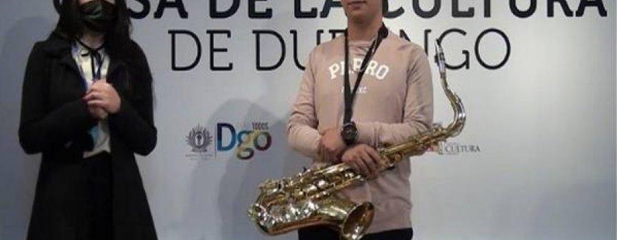 Taller de Saxofón para jóvenes y adultos con el maestro Romel Almodóvar