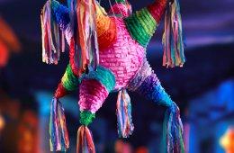 Dale, dale a la piñata