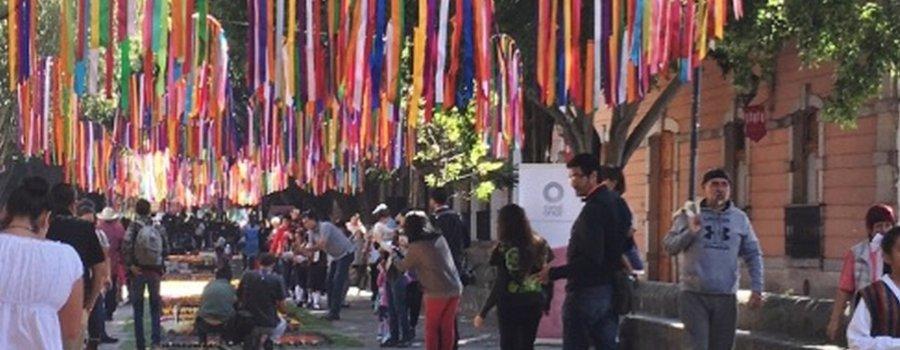 Tapetes florales de Patamban: Fiesta Michoacana