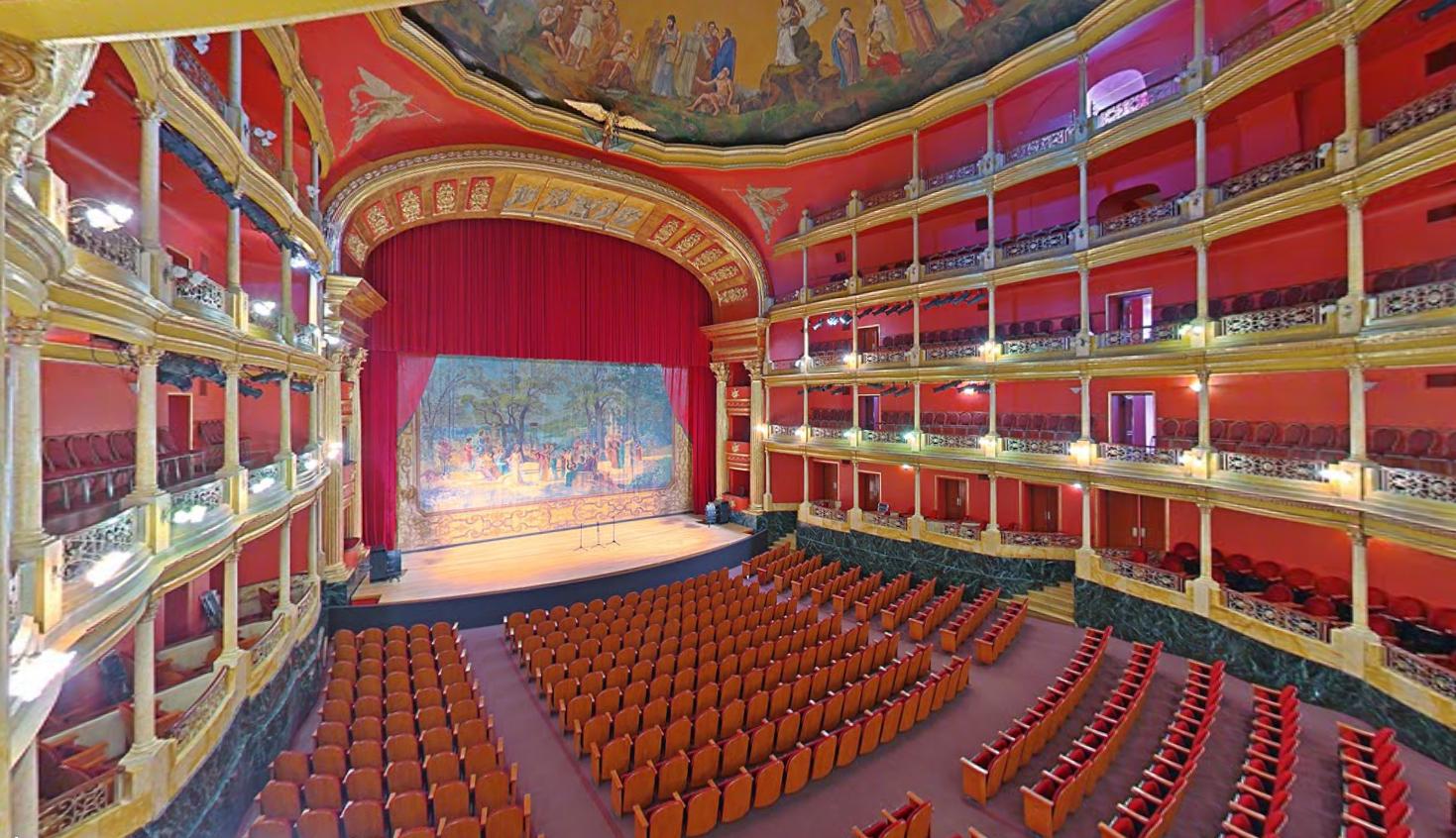 El actual Teatro Degollado fue propuesto por Antonio Pérez Verdía.