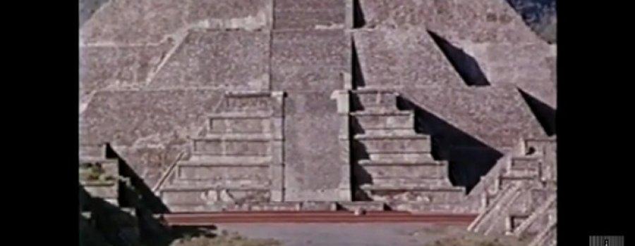 Guillermo Arriaga. Ceremonia de recepción del Fuego Olímpico en Teotihuacán / 1968