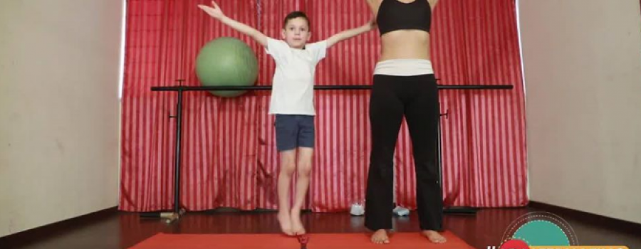 Yoga para niños con Pilar Cristina Carrillo y Ángel Zeinn Díaz